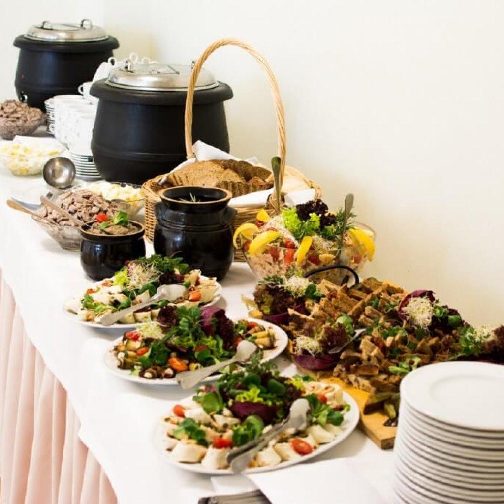 catering stół szwedzki